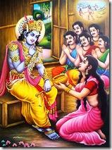 Draupadi menyerahkan wadah penanak nasi kepada Sri Krishna sumber krishnamercy wordpress com